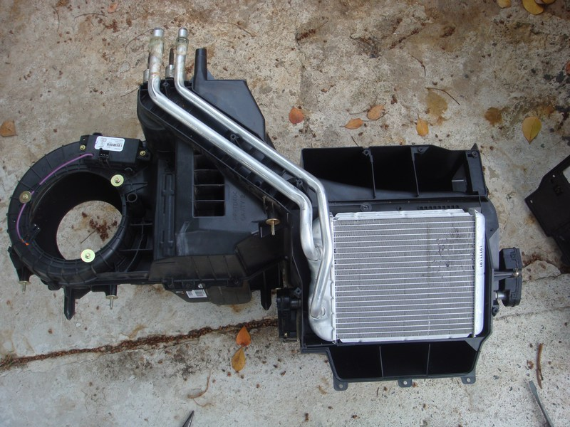 Dodge Nitro Sensor Location additionally 68ef308d7ad7b2abaa01c3cfb3b77063 further 232376 Where S The Fuse For The Cab Dome Lights moreover 2002 Dodge Neon Fuse Box Diagram Wiring Diagrams likewise 97 F150 Blend Door Wiring Diagram. on 2001 dodge intrepid radio wiring diagram