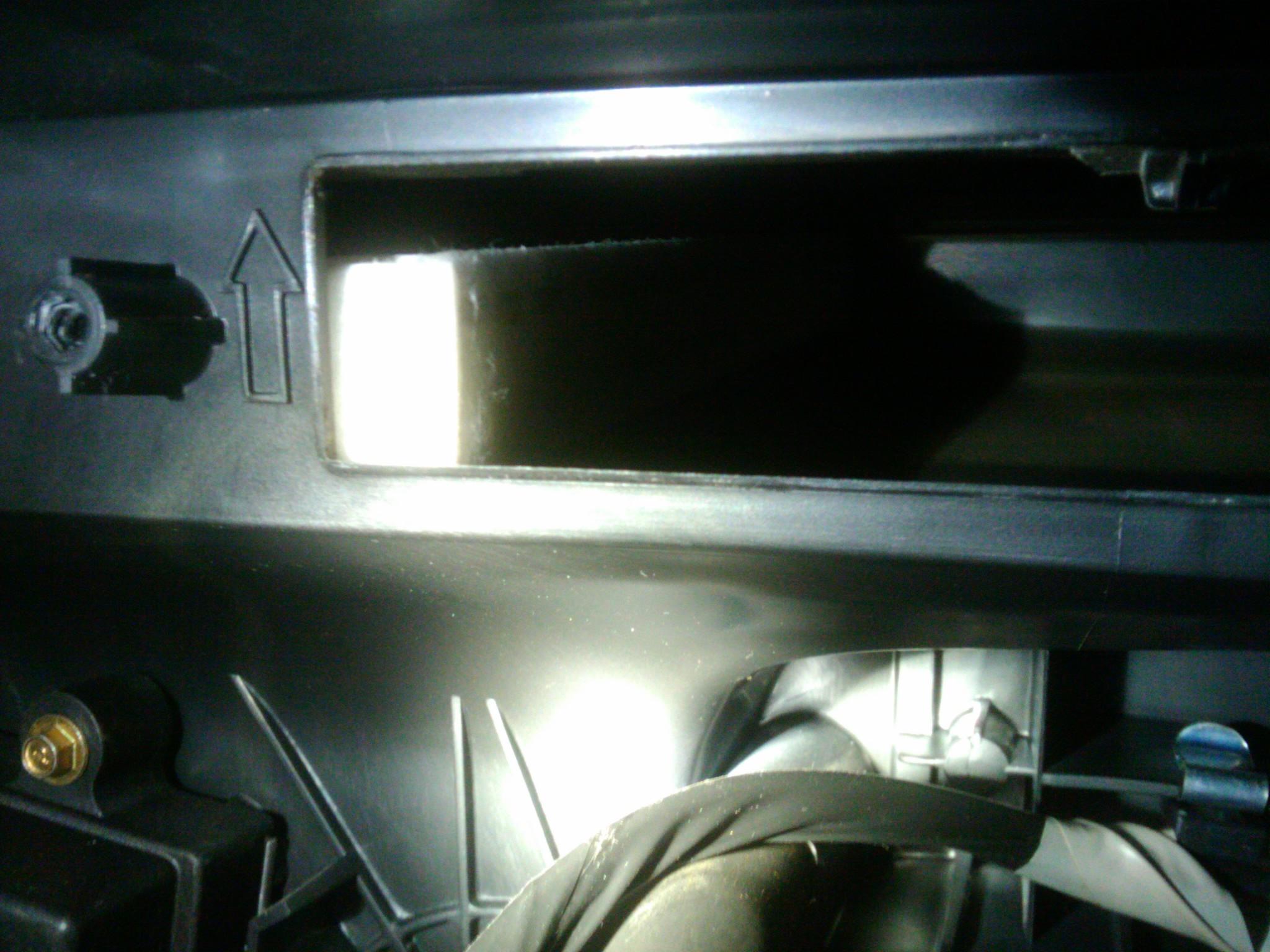 chevrolet blazer lt cabin air filter location