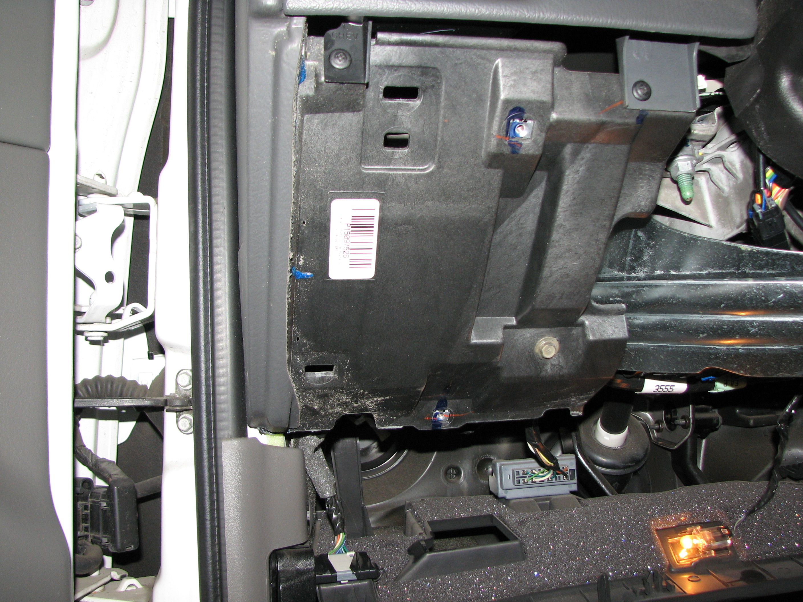 06 Hummer H3 Wiring Diagram furthermore 97 Jeep Grand Cherokee Blower Motor Diagram as well Nissan Altima Wiper Blade Relay Location likewise H3 Blower Motor Resistor Location also 2003 Mercury Grand Marquis Blower Motor Resistor Location. on hummer h2 blower motor resistor replacement